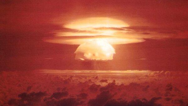 Explosión nuclear - Sputnik Mundo