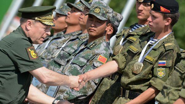 Comandante del Ejército de Crimea Oleg Saliukov - Sputnik Mundo