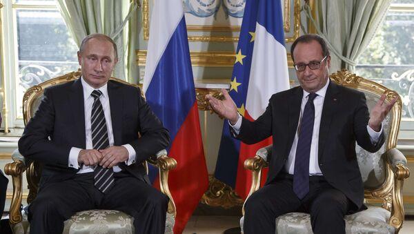 Presidente de Rusia, Vladímir Putin y presidente de Francia, François Hollande - Sputnik Mundo