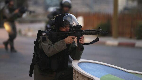Las fuerzas israelíes arrestan a presuntos asesinos de pareja de colonos israelíes - Sputnik Mundo