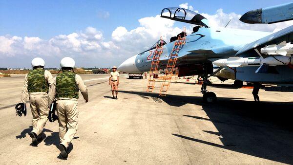 Pilotos rusos en Siria - Sputnik Mundo