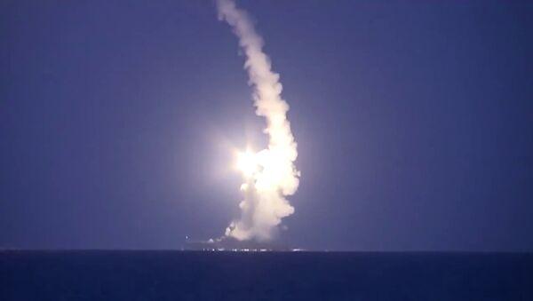 Lanzamiento de misiles por la Flotilla del Caspio - Sputnik Mundo