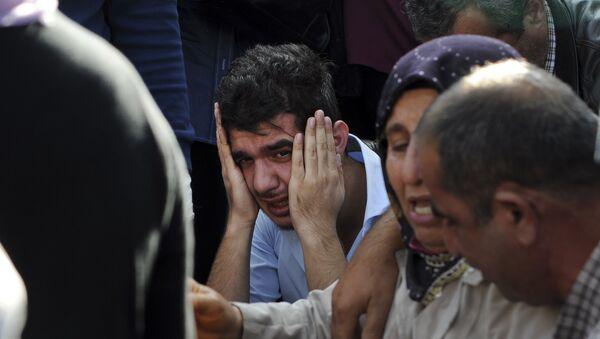 Familiares de las víctimas y heridos en el atentado en Ankara - Sputnik Mundo