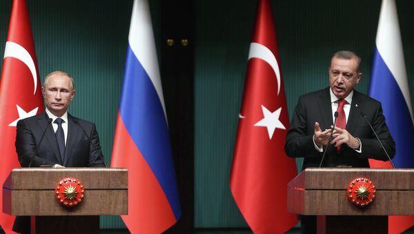 El presidente de Turquía, Recep Tayyip Erdogan y el presidente de Rusia, Vladímir Putin - Sputnik Mundo