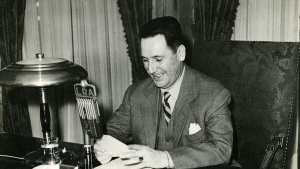 El Presidente Juan Domingo Perón hablando por LRA Radio Nacional - Sputnik Mundo