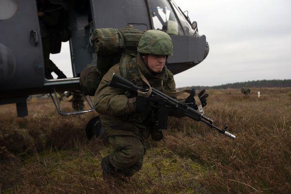 Ejercicios de las Fuerzas Aerotransportadas en el noroeste de Rusia - Sputnik Mundo