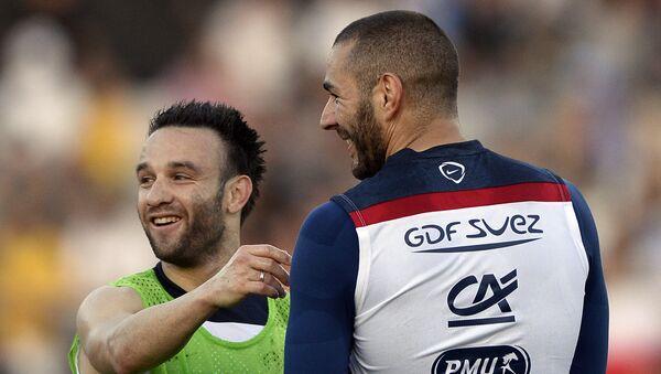 Mathieu Valbuena (izda.) y Karim Benzema - Sputnik Mundo