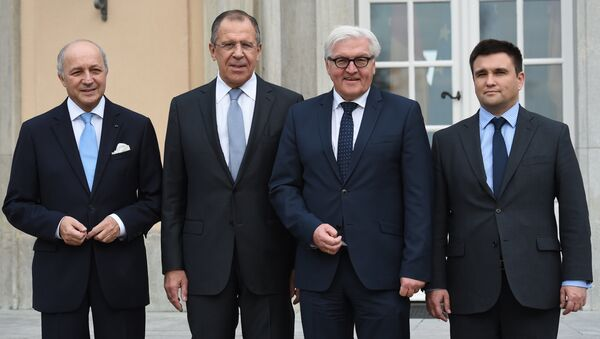 Ministros de Exteriores de Alemania, Frank-Walter Steinmeier, de Francia, Laurent Fabius, de Rusia, Serguéi Lavrov, y de Ucrania, Pavló Klimkin - Sputnik Mundo