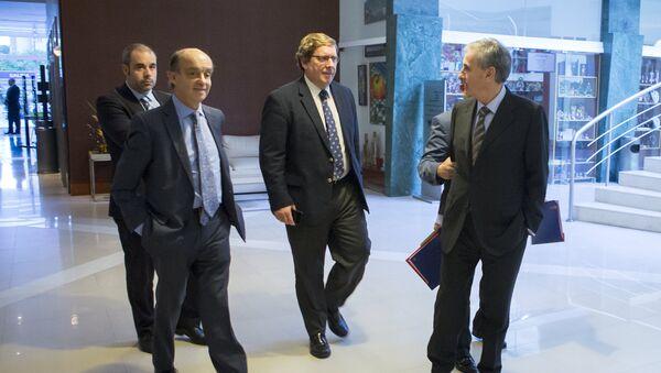 Parlamentarios europeos Fernando Maura, Gabriel Mato y Ramón Jáuregui - Sputnik Mundo