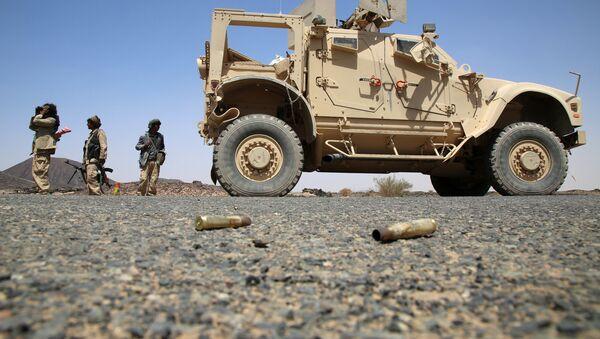 Combatientes armados de las fuerzas leales al presidente yemení, apoyado por Arabia Saudita, Abd Rabbuh Mansur al-Hadi - Sputnik Mundo