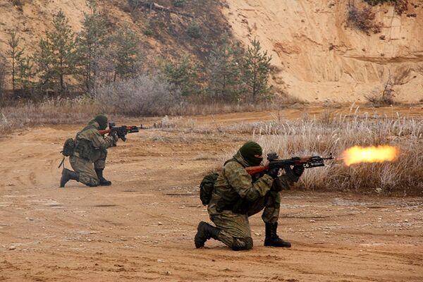 Ejercicios de una unidad de misiones especiales del Distrito Militar Oeste de Rusia - Sputnik Mundo