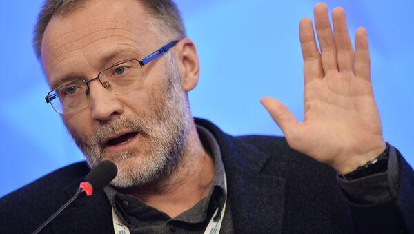 Director del Centro de la Coyuntura Política Serguéi Mijéev en el Foro de los Medios de Noticias Europeos y Asiáticos 2015 - Sputnik Mundo