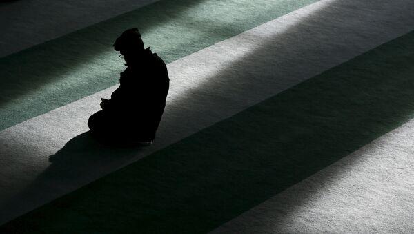Aumentan los ataques físicos y verbales contra musulmanes en Gran Bretaña - Sputnik Mundo