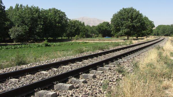 Una vía férrea en Irán - Sputnik Mundo