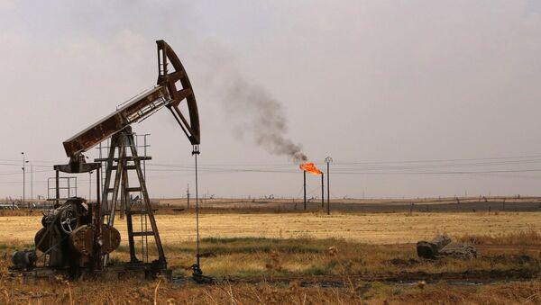 Extracción de petróleo en Siria - Sputnik Mundo
