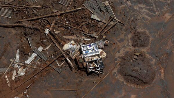 Consecuencias de la ruptura de la represa minera de Samarco en Mariana, Brasil - Sputnik Mundo