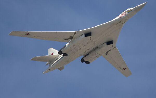 Bombardero estratégico ruso Tu-160 - Sputnik Mundo