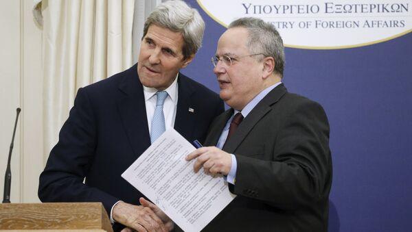 John Kerry, secretario de Estado de EEUU y Nikos Kotzias, ministro de Asuntos Exteriores de Grecia - Sputnik Mundo
