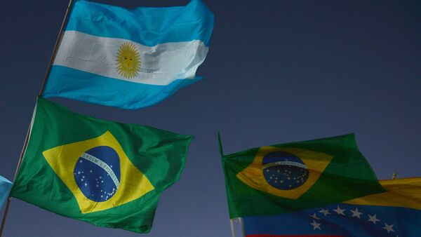 Banderas de Argentina, Brasil y Venezuela - Sputnik Mundo