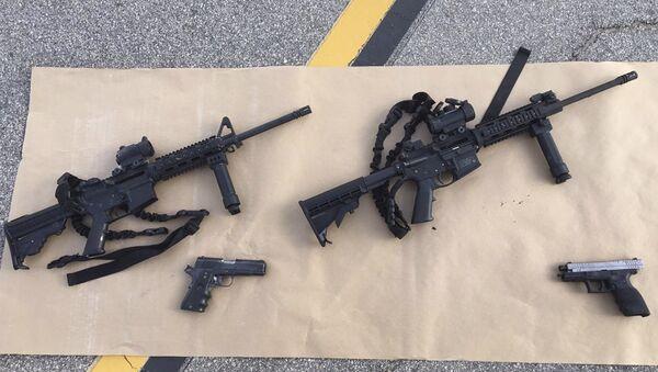 Armas confiscadas después el tiroteo masivo en San Bernardino - Sputnik Mundo