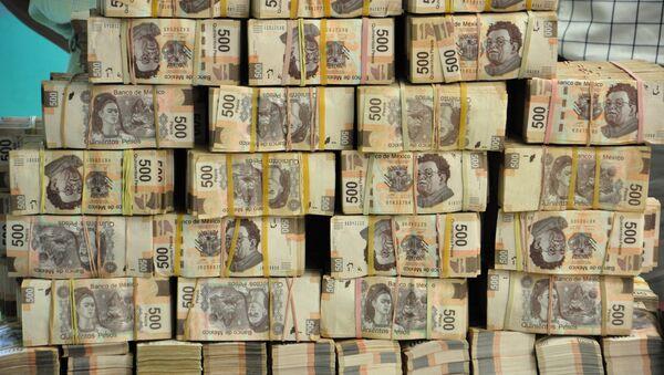 Los pesos mexicanos (imagen referencial) - Sputnik Mundo