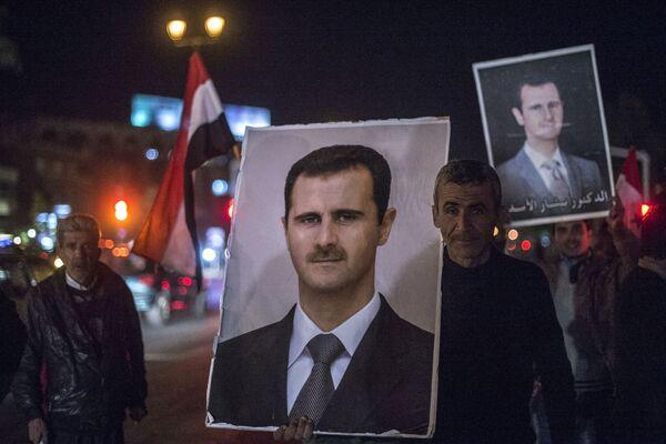 El Ejército sirio rompe el asedio de la base aérea de Kweiris - Sputnik Mundo