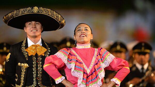 Orquesta Monumental Militar Mexicana durante la preparación para el festival de la Torre Spasskaya en la Plaza Roja - Sputnik Mundo