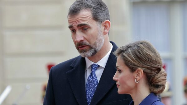 Felipe VI, el Rey de España con su esposa Letizia - Sputnik Mundo
