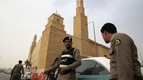 Policía de Arabia Saudí (imagen referencial) - Sputnik Mundo