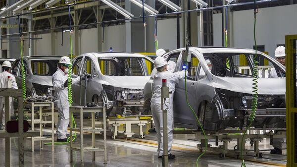 Fabrica de coches en México (archivo) - Sputnik Mundo