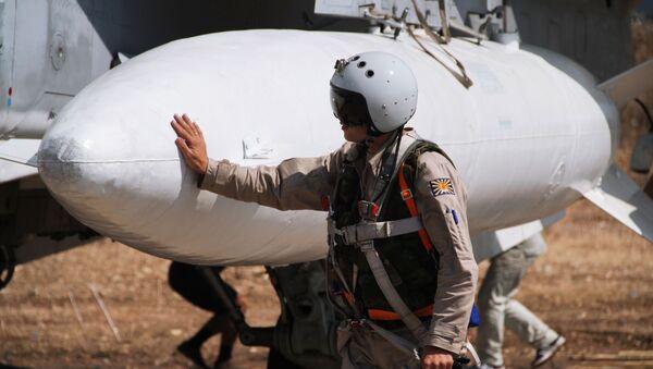 Piloto ruso en la base aérea de Hmeymim - Sputnik Mundo