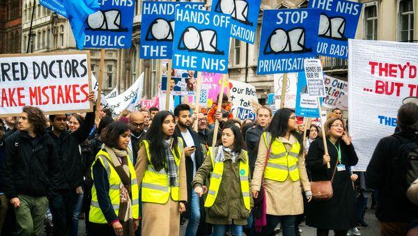 Protesta de la Asociación de Médicos Británicos (archivo) - Sputnik Mundo