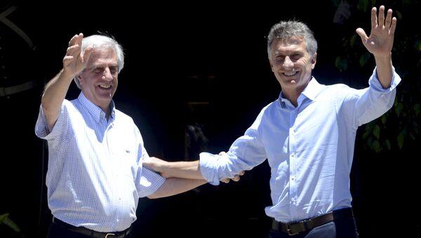 Presidente de Uruguay, Tabaré Vázquez y presidente de Argentina, Mauricio Macri - Sputnik Mundo