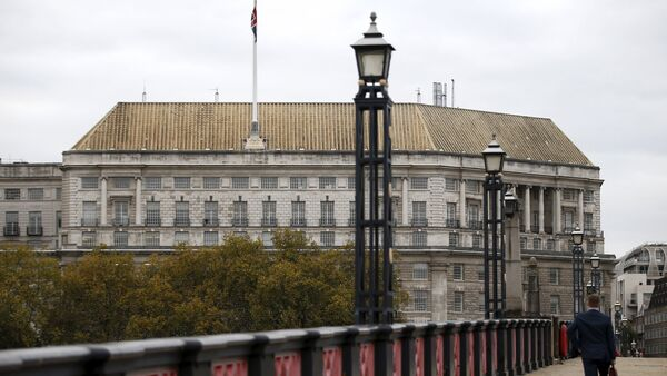 Thames House, the headquarters of the British Security Service (MI5) is seen in London, Britain October 22, 2015 - Sputnik Mundo