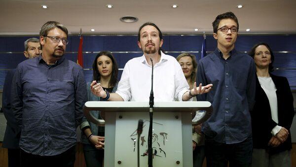El líder de Podemos Pablo Iglesias habla durante una rueda de prensa - Sputnik Mundo