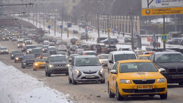 Circulación de coches en Moscú - Sputnik Mundo