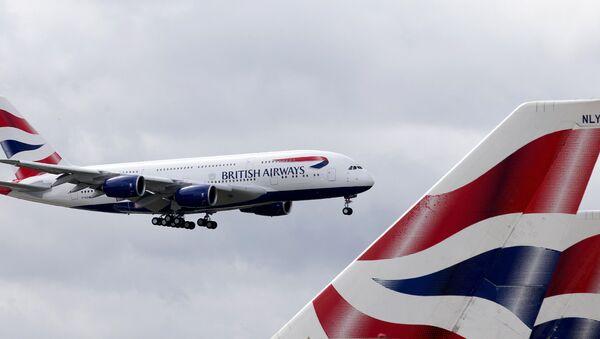 Un avión de la aerolínea British Airways - Sputnik Mundo