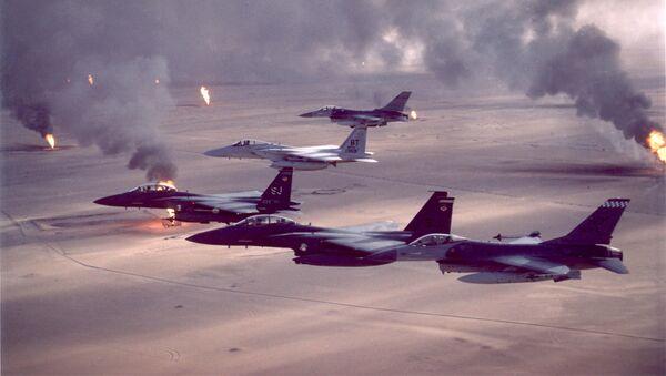 Cazas estadounidenses durante la Operación Tormenta del Disierto en el Golfo Pérsico, 1991 - Sputnik Mundo