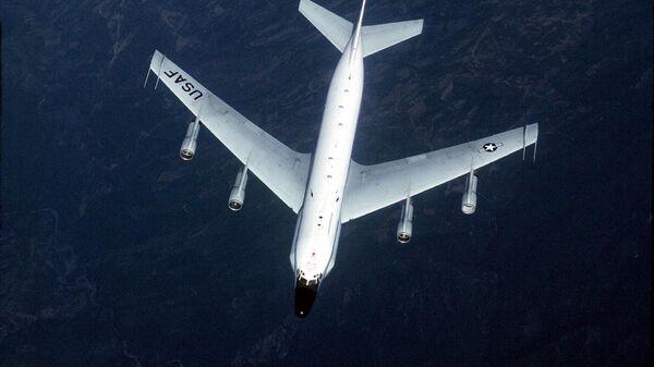 El avión de reconocimiento estadounidense RC-135 - Sputnik Mundo