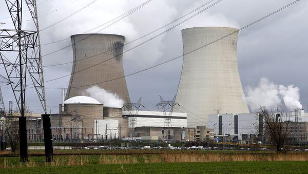 Central nuclear de Doel, Bélgica (archivo) - Sputnik Mundo