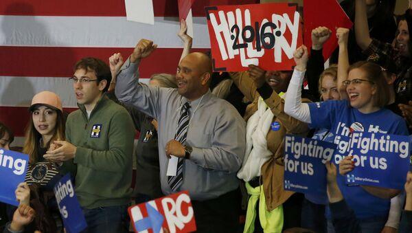 Partidarios de Hillary Clinton en Iowa, EEUU - Sputnik Mundo