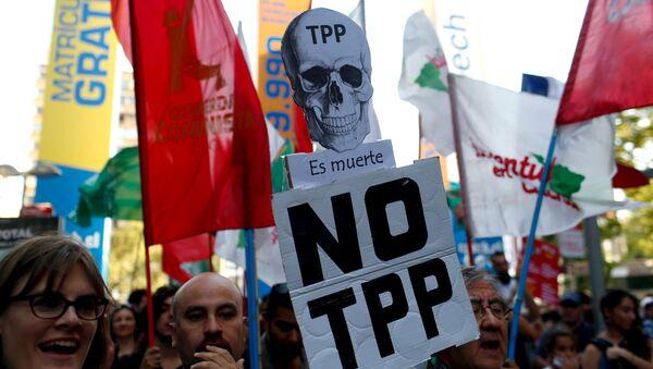 Protesta contra TPP en Chile (archivo) - Sputnik Mundo