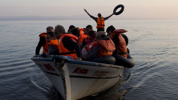 Refugiados en el mar Egeo - Sputnik Mundo