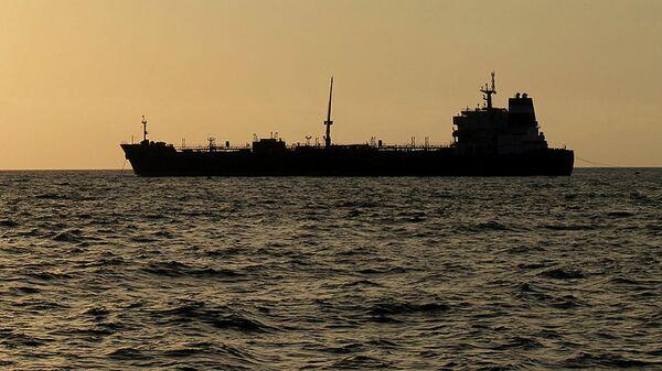 Buque petrolero (imagen referencial) - Sputnik Mundo