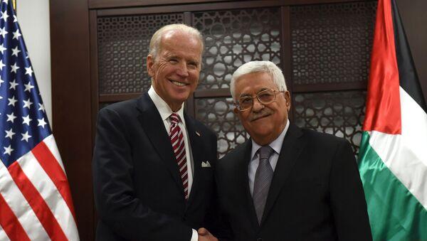 Vicepresidente de EEUU, Joe Biden, y presidente de Palestina, Mahmud Abás - Sputnik Mundo