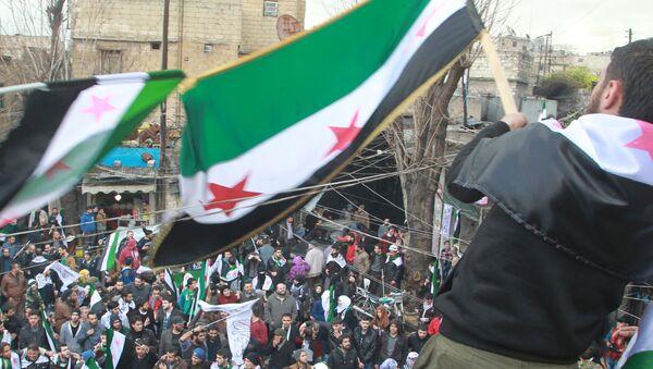 Simpatizantes de la oposición armada siria en Alepo (archivo) - Sputnik Mundo