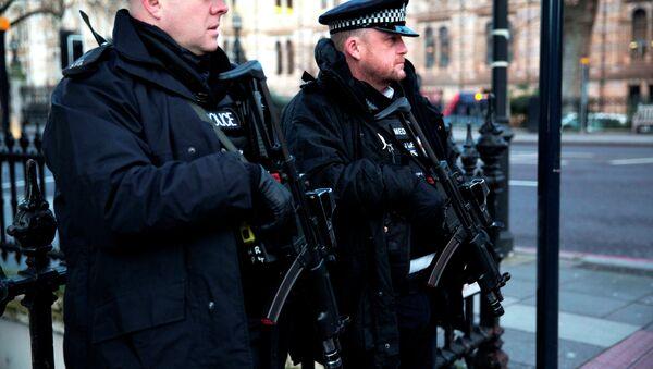 Policía británica - Sputnik Mundo