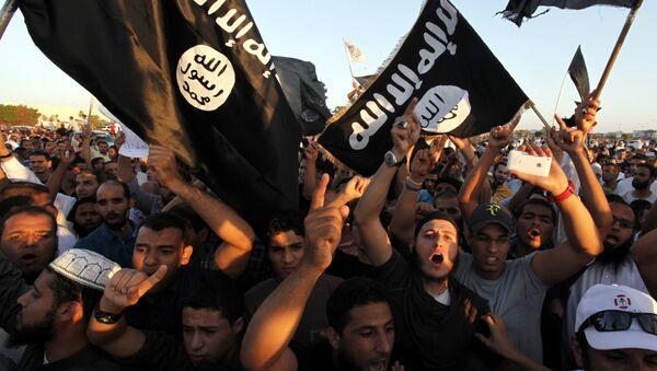 Las banderas de Daesh (archivo) - Sputnik Mundo