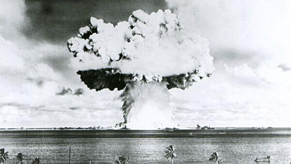 La prueba nuclear de EEUU en el atolón Bikini - Sputnik Mundo