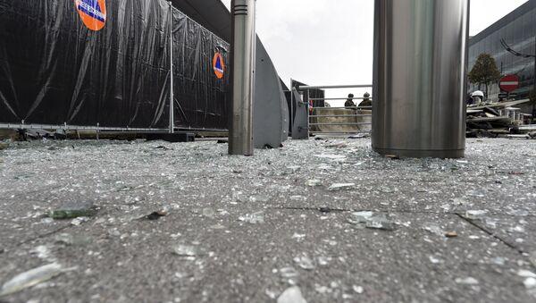 Cerca del aeropuerto Zaventem después de los ataques terroristas en Bruselas - Sputnik Mundo
